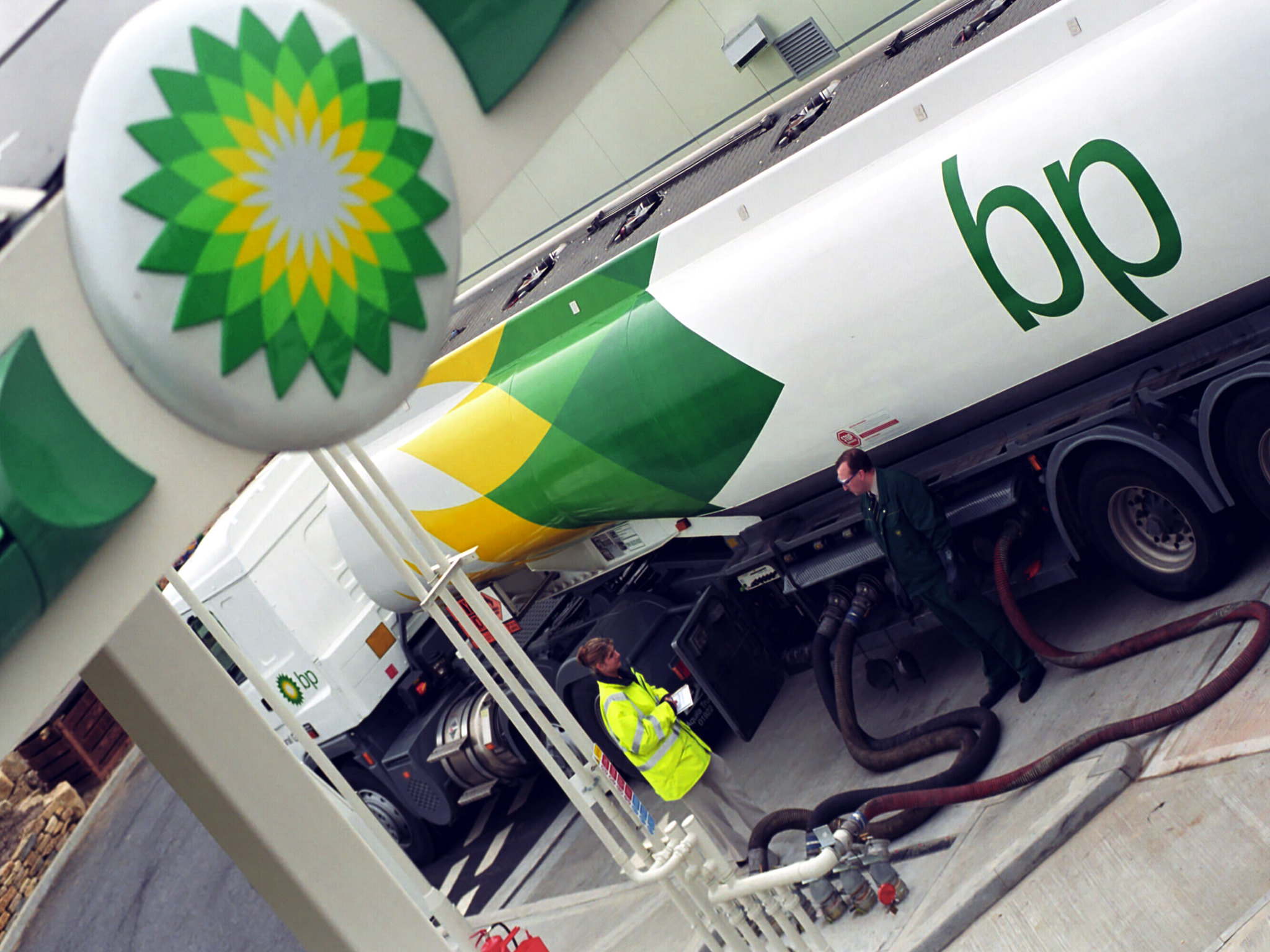 Road tanker refuelling (BP Images/Flickr)