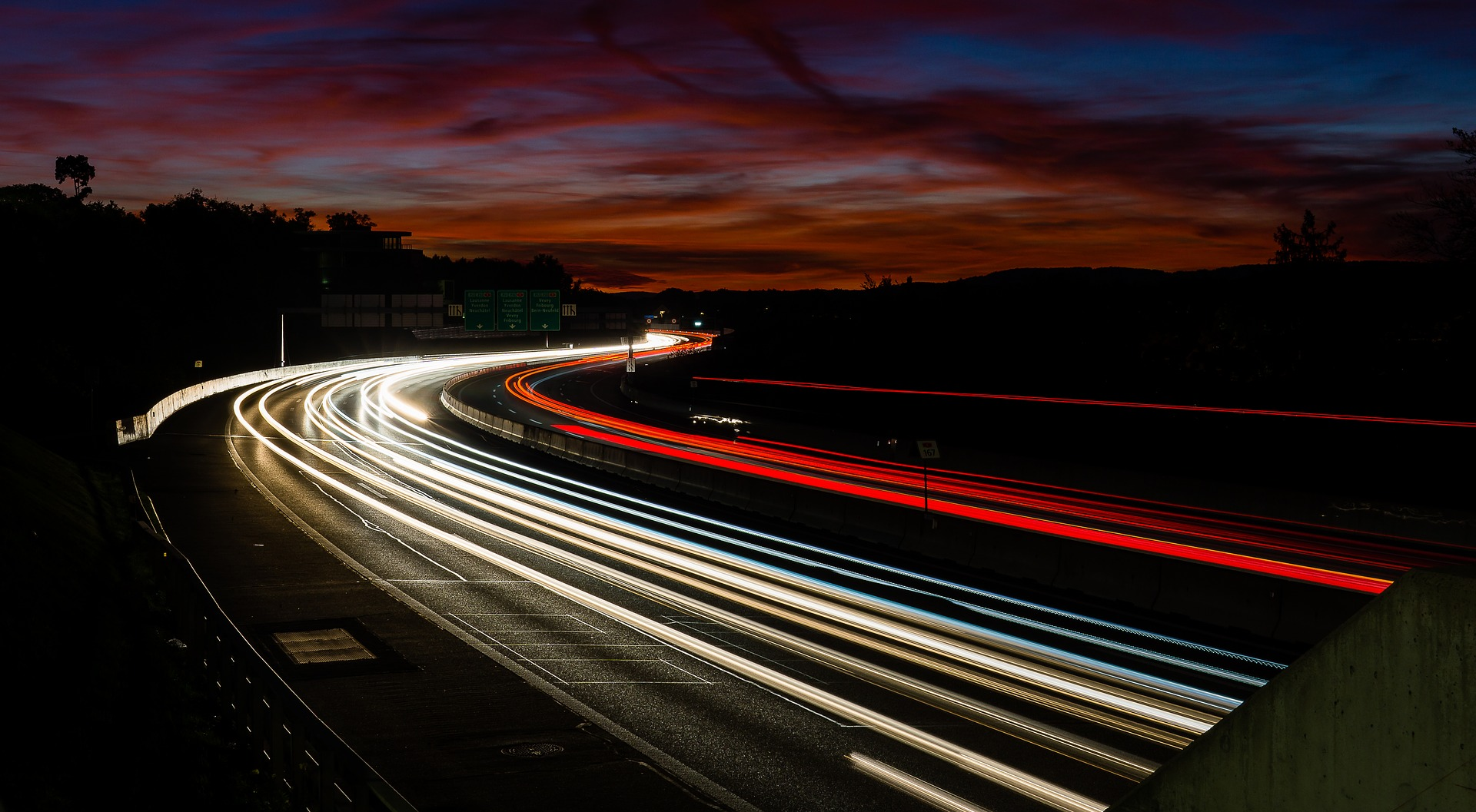 Autobahn (Stefan Nyffenegger from Pixabay)